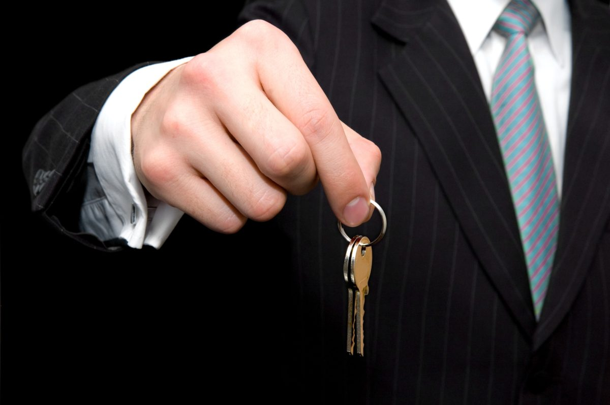 The Insurance Needs of Real Estate Brokers vs. Real Estate Agents